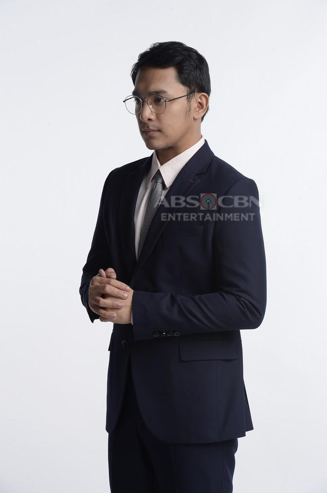 PHOTOS: Sandino Martin as Gaylord in Sino Ang Maysala? Mea Culpa